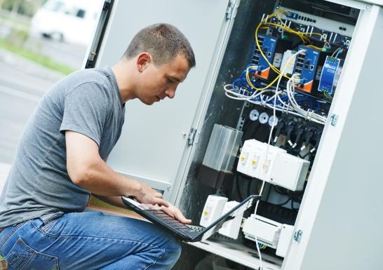 τεχνικη υποστηριξη-συντηρηση υποδομων-καμπινα-τηλεπικοινωνιακος κομβος-τηλεφωνικες γραμμες
